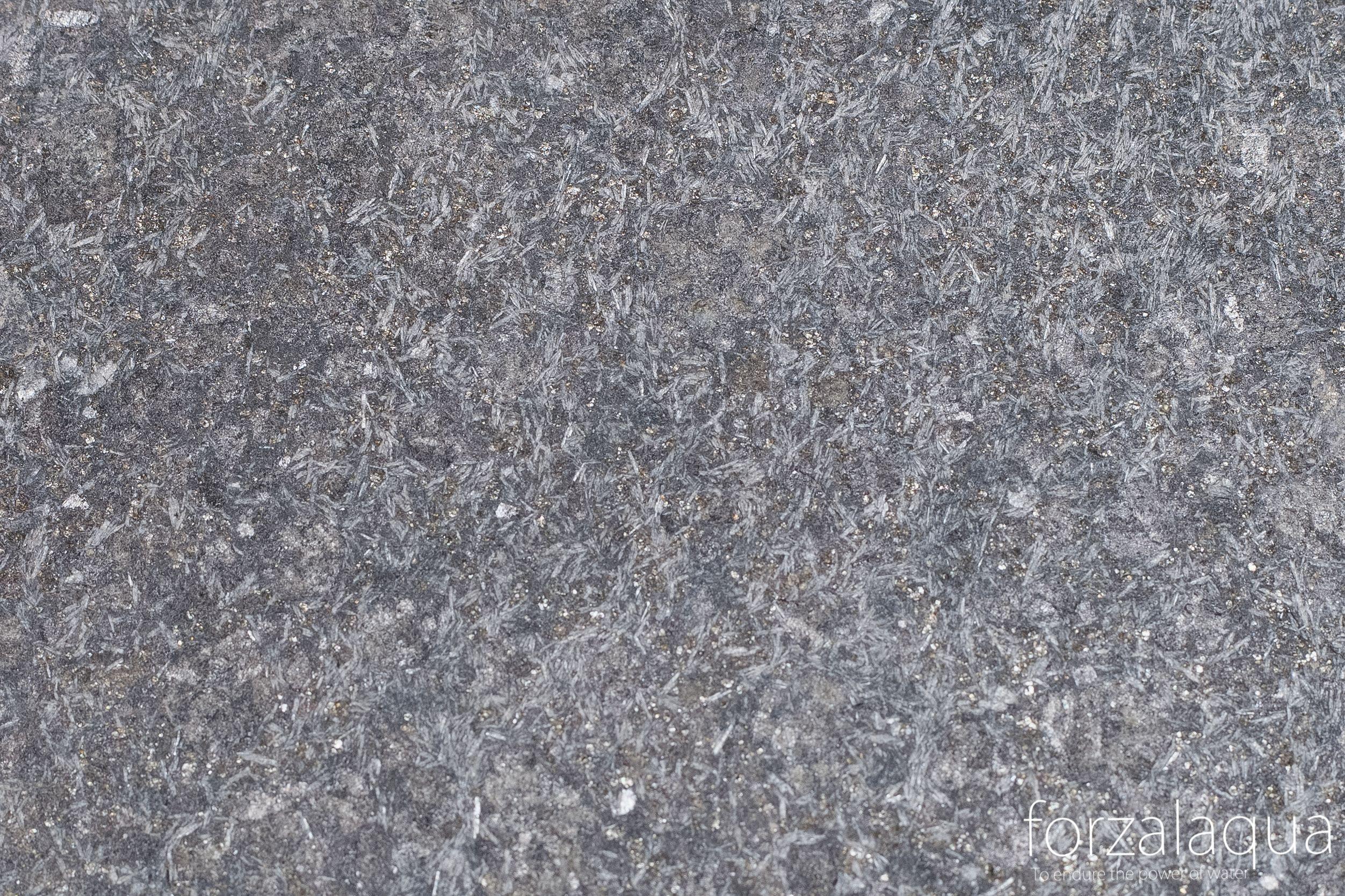 Basalt And Granite : Verona forzalaqua